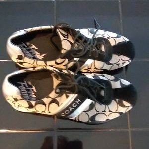 Coach shoes size 8 medium